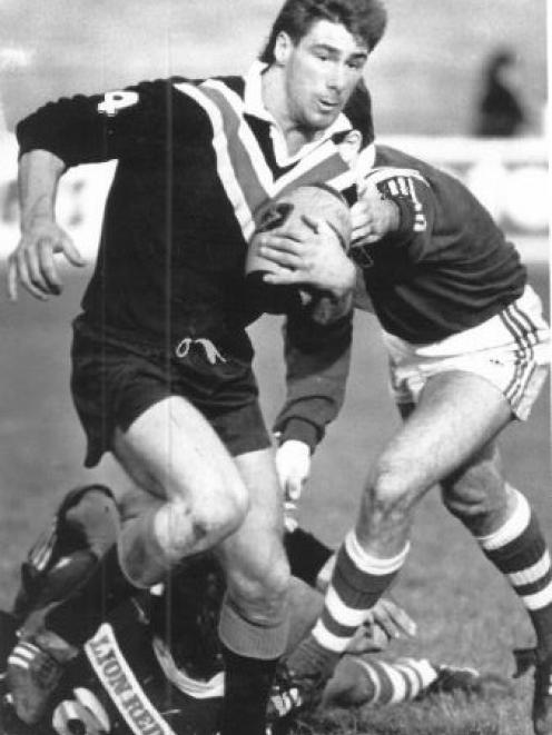 BEGINNING: Mike Dorreen makes a run during Canterbury's match against Auckland in 1988.