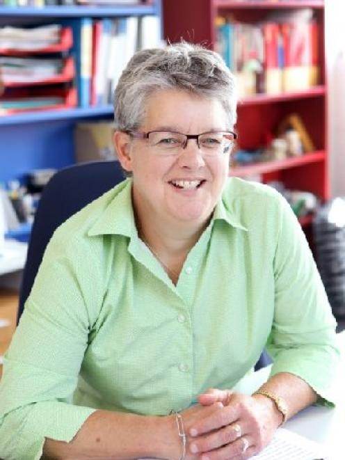 Prof Rhonda Rosengren