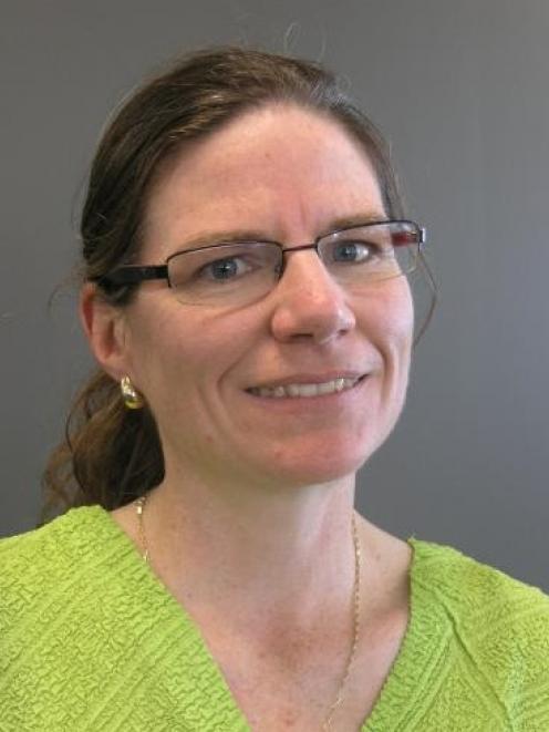 Dr Harriette Carr