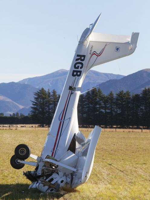The plane crash at Glentui. Photo: Geoff sloan