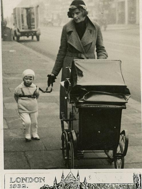 Alexa, aged two, with her mother Brenda in London. Photo: Street photographer