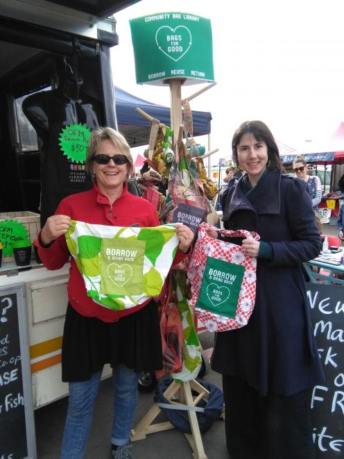 Bags for Good co-ordinator Fiona Jenkin (right) and Otago Farmers Market manager Kate Vercoe...
