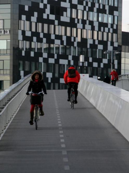 A bridge connecting Islands Brygge and Kalvebod Brygge in Copenhagen is all set up for cyclists....