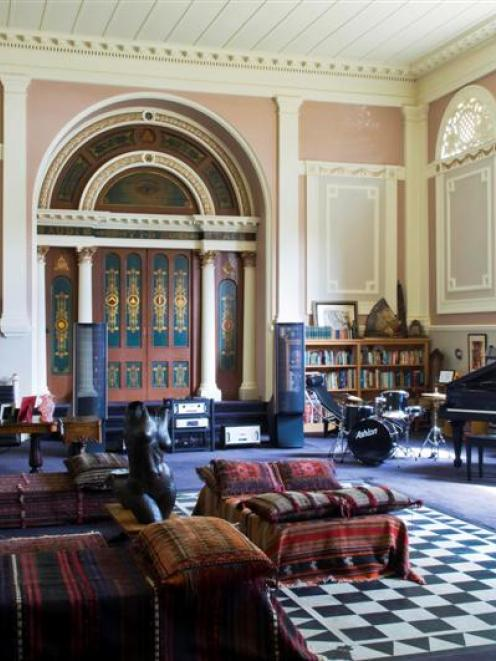 A Living Room In The Historic Temple Gallery, In Moray Pl In Dunedin. Photos