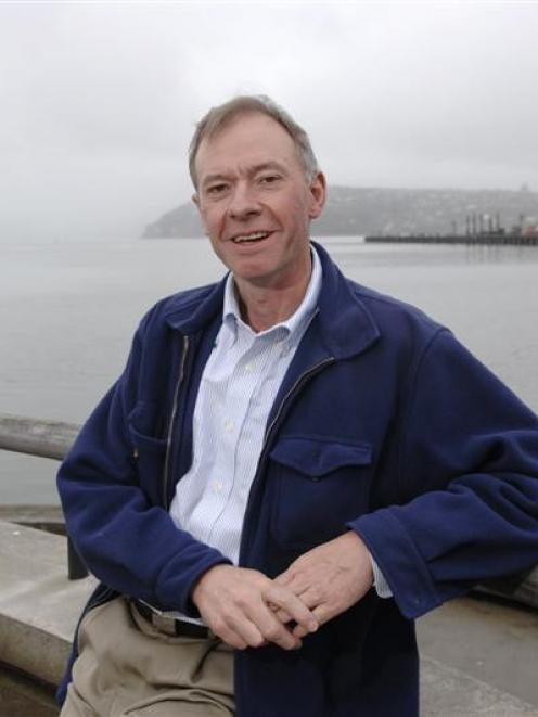 Adrian Raeside by Otago Harbour. Photo by Linda Robertson.
