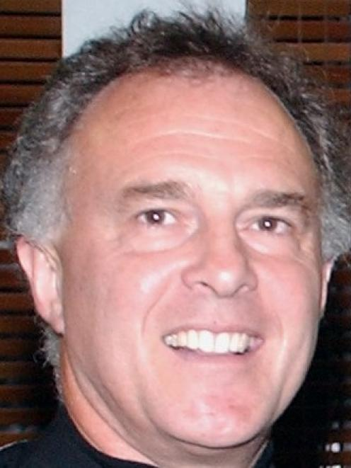 Alan Seay