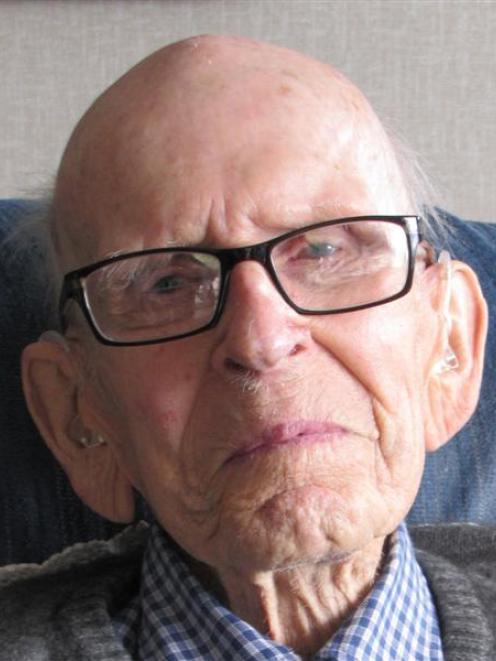 Alexandra centenarian Peter Wildey. Photo by Sarah Marquet.