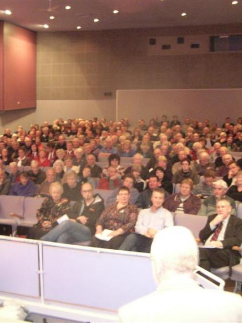 Alexandra's War Memorial Theatre was full last night when about 360 people attended a public...