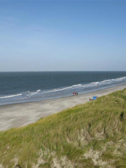 Amrum beaches are exposed to the North Sea breezes. Photo by Jeff Kavanagh.