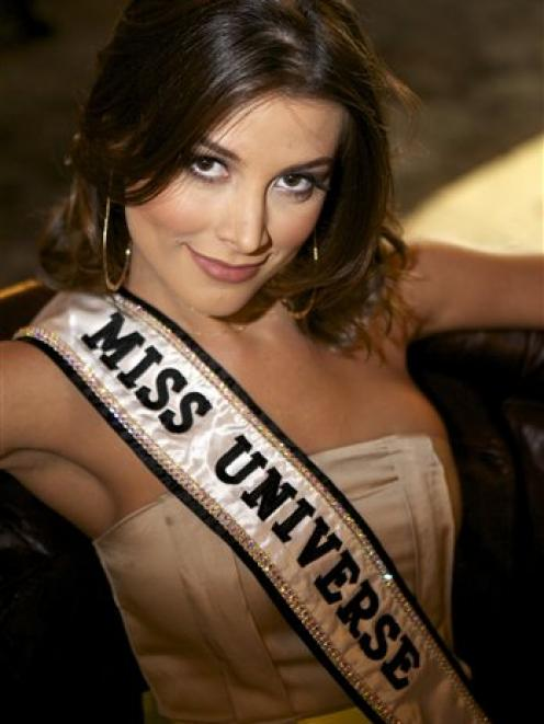 Miss Universe 2009 says her replacement is clear | Otago Daily Times ...