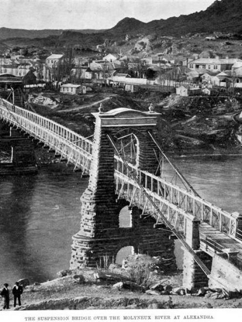 An archival photograph of the historic Alexandra bridge in 1903.