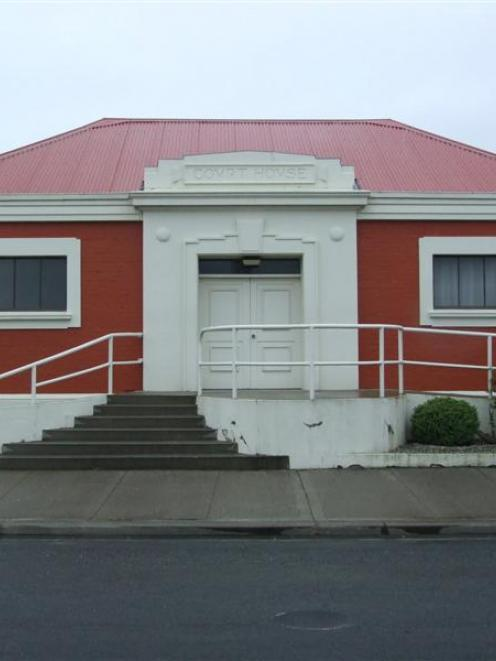 Balclutha courthouse.