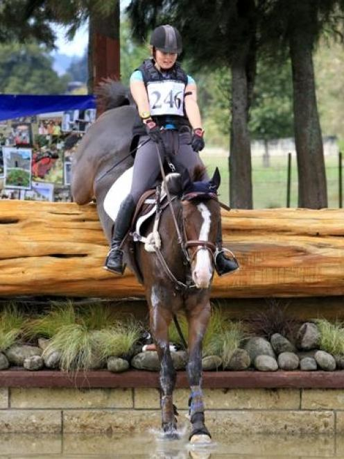 Bonnie Farrant and her horse Kaipara Dior (Darcy) have been selected in the New Zealand young...
