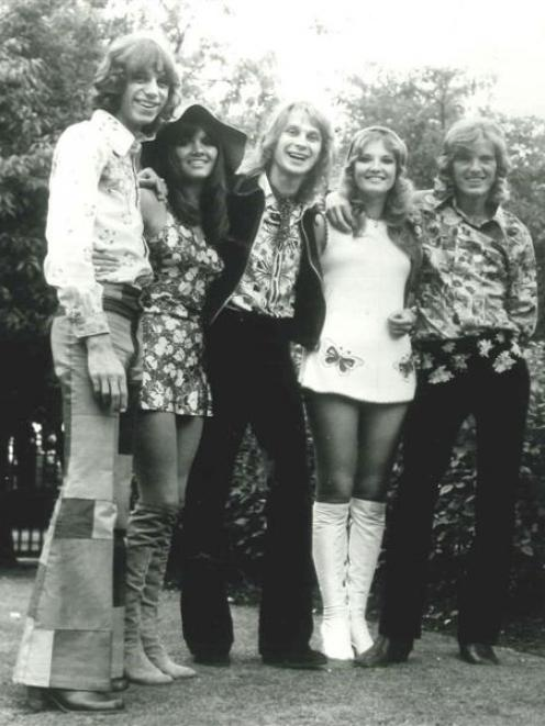 British-based folk-rock group the New Seekers. Eve Graham is second from left.
