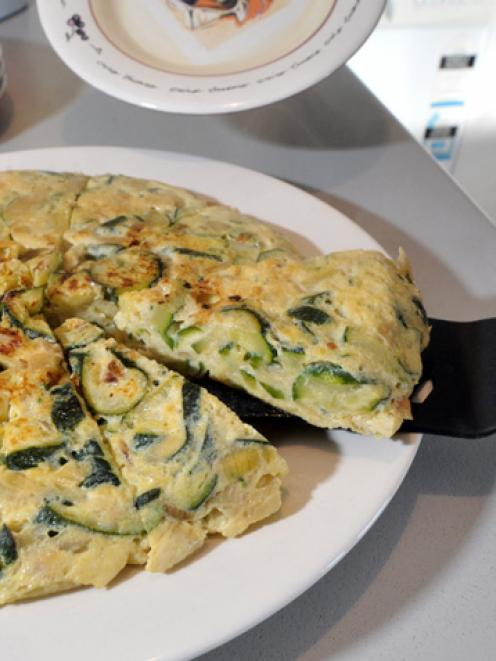 Carmen's tortilla de calabacin: Spanish omelette with zucchini. Photos by Gregor Richardson.