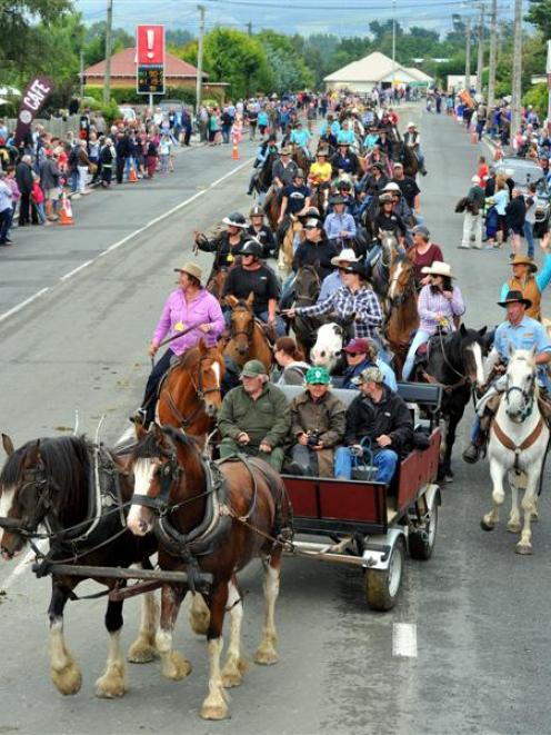 Cavalcaders arrive in Outram in February, at the end of the 2015 events. Photo by Gregor Richardson.