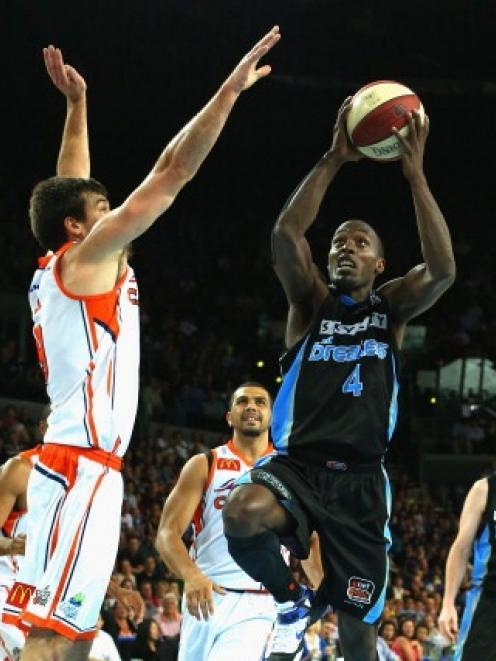 Cedric Jackson scored 32 points in a 97-76 win over Cairns.  (Photo by Phil Walter/Getty Images)
