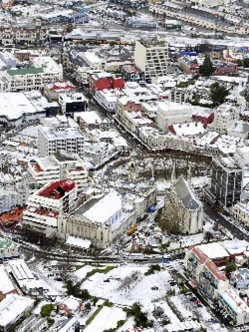Central Dunedin lies under a blanket of snow. Photo by Craig Baxter.