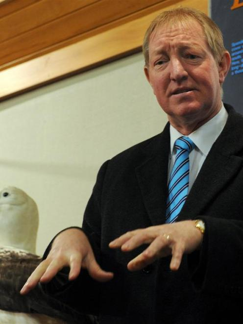 Conservation Minister Nick Smith launches Sharing Worlds - Seabirds and Fishing at the Taiaroa...