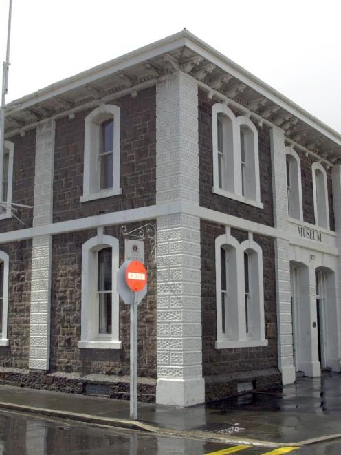 Councillors resolved that the annual $5000 civic grants for the Middlemarch and Port Chalmers (at...