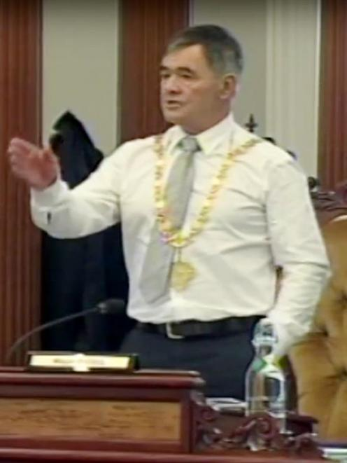 Mayor Dave Cull makes a point at yesterday's council meeting.