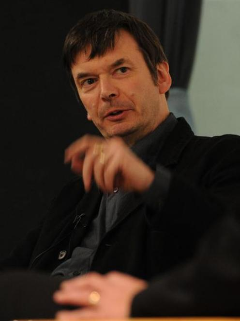 Crime writer Ian Rankin addresses the audience at the Dunedin College of Education yesterday....