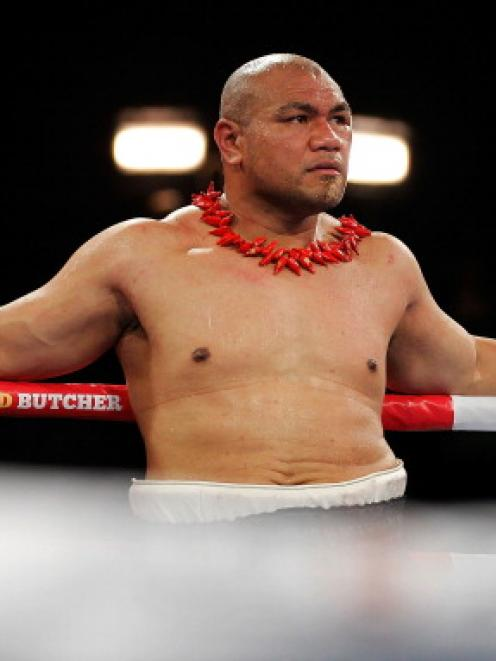 David Tua shows his dejection after losing to Alexander Ustinov. Photo Getty Images