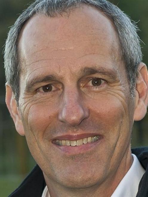 Dr Tom Richardson.