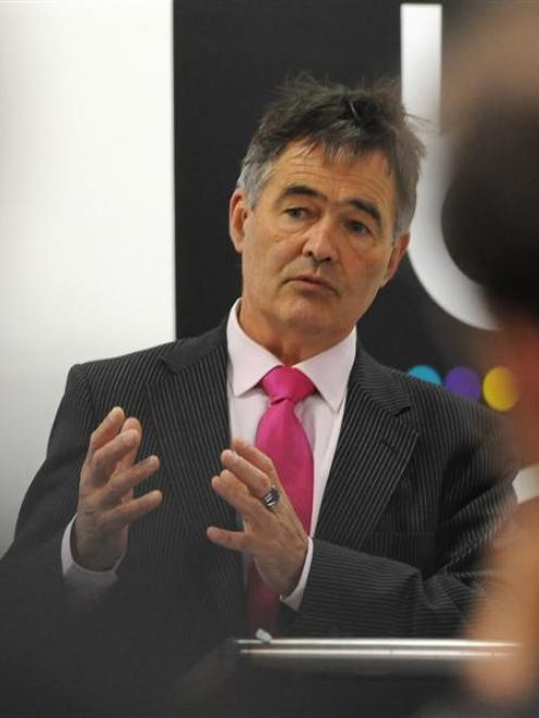 Dunedin Mayor Dave Cull addresses business leaders. Photos by Peter McIntosh.