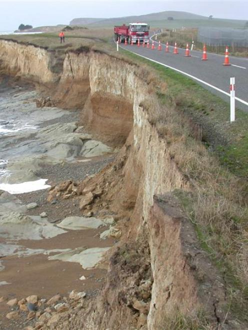 North otago erosion could cost millions otago daily times online emergency work is to be carried out as coastal erosion attacks part of the kakanui thecheapjerseys Image collections