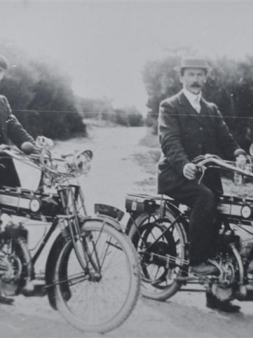 Eric Knight and Frank Russell on Humber motorcycles in 1914. Photo supplied.