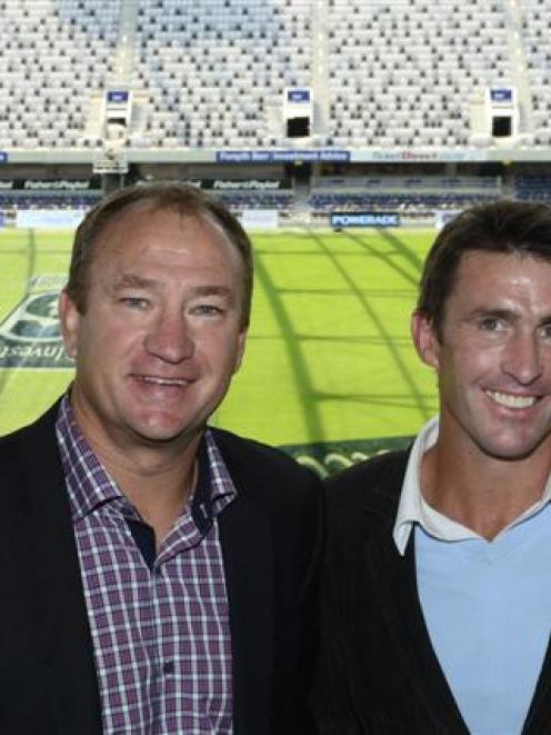 Former Wigan and Warriors rugby league captain Dean Bell (left), with former Otago and Scotland...