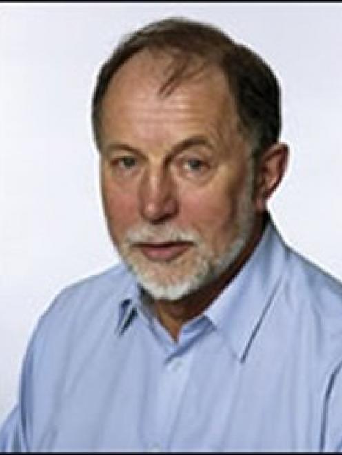Geoff Robinson