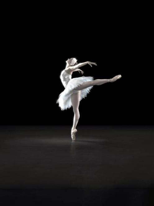 Gillian Murphy as Odette in the Royal New Zealand Ballet's production of <i>Swan Lake.</i>