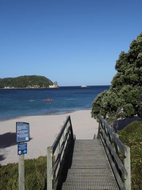 Hahei is rich in natural wonders _ a beautiful pink sand beach, the handsome island of Mahurangi...
