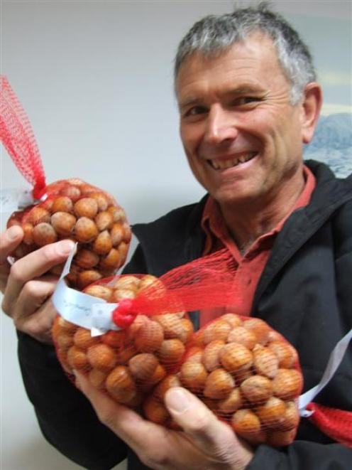 Hazelnuts' potential discussed   Otago Daily Times Online News