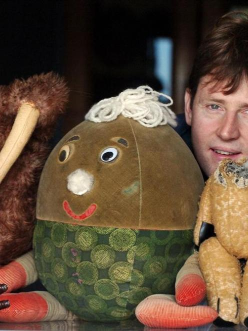 Here is Little Ted, minus his head, with fellow cast member Grubber the Kiwi and Humpty's cousin...