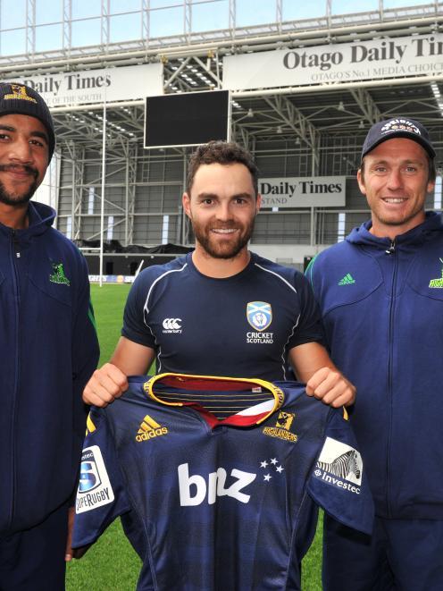 Highlanders co-captains Nasi Manu (left) and Ben Smith gave Scotland cricket captain Preston...