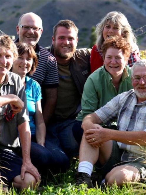 Ian Dee (Georgetown Vineyard), Jean Gibson (Lowburn Ferry), Holger Reinecke (Lindis River Wines),...