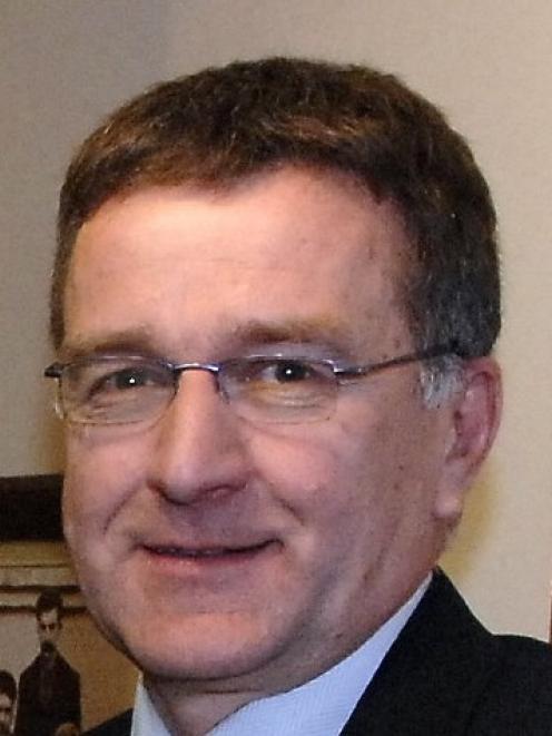 Ian Featherston