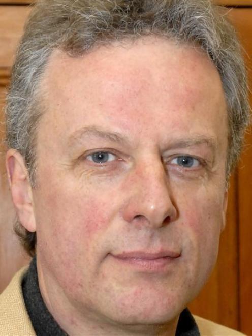 Lee Vandervis.