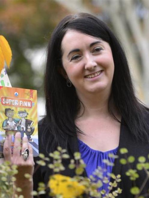 Leonie Agnew, University of Otago College of Education Creative New Zealand Children's Writer in...