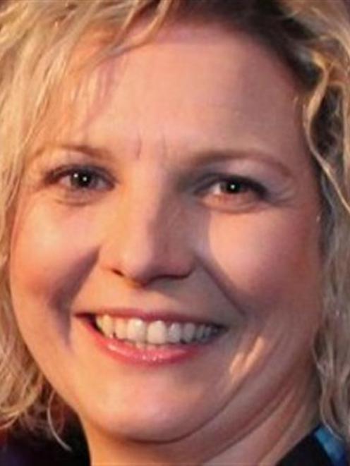 Lisa Buckingham.
