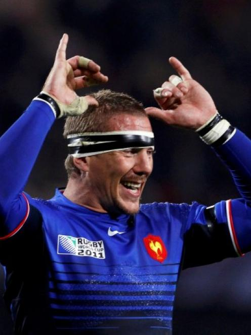 Loose forward Imanol Harinordoquy comes back into the French starting line-up for their...