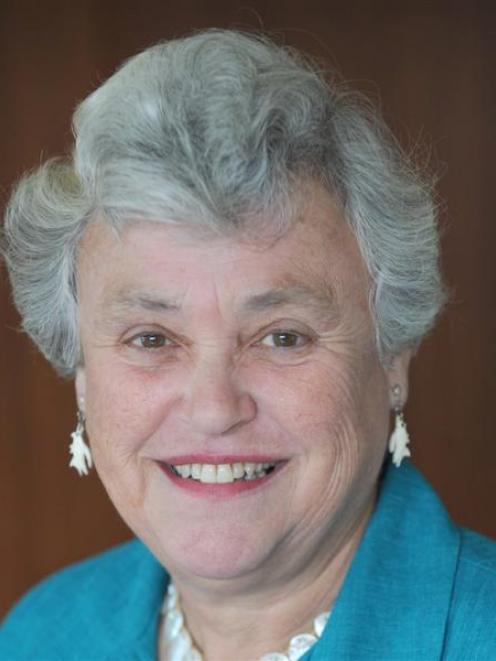 Lorraine Pya Isaacs