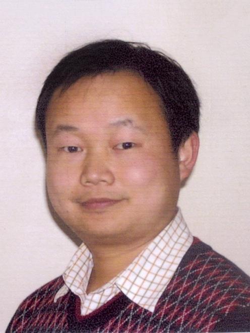 Dr Chris (Li Hong) He