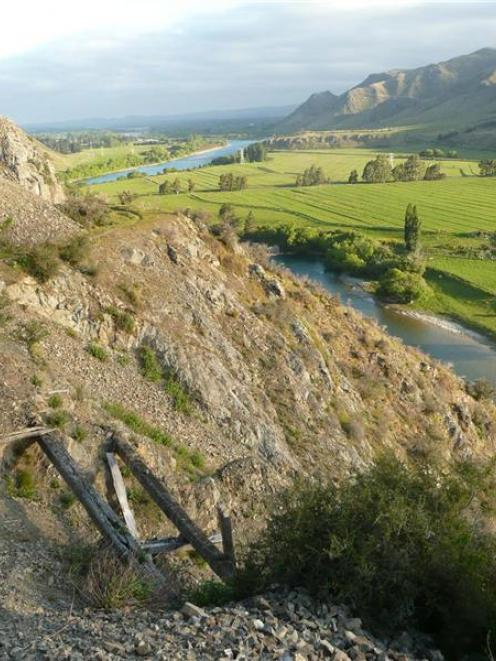 May become a road to somewhere again, if the Old Slip Rd above the Waitaki River and Lake Waitaki...