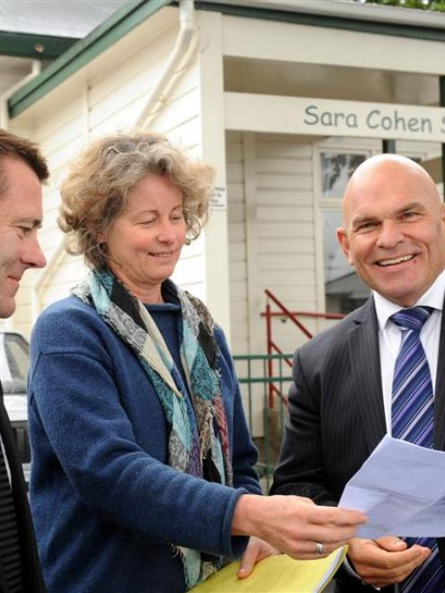 Meeting to discuss issues at Sara Cohen School in Dunedin yesterday are (from left) National list...