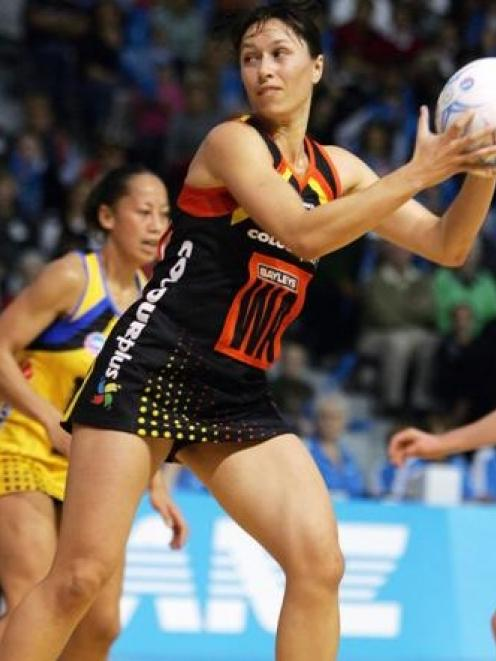 Magic wing attack Amigene Metcalfe looks to make a pass during her team's round five ANZ...