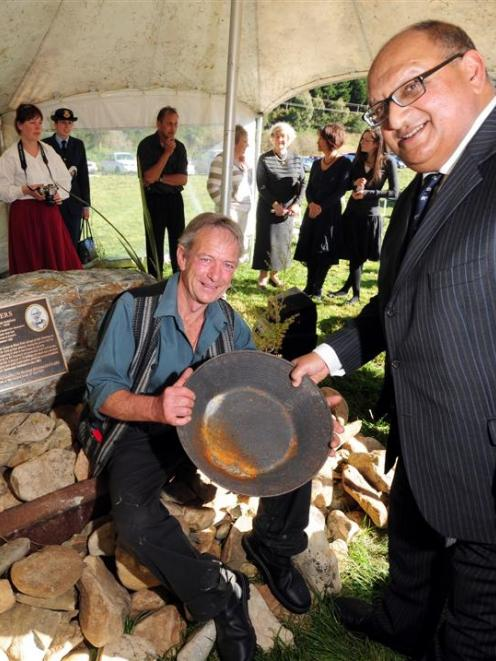 New Zealand Governor-General Hon Sir Anand Satyanand and Glenore-Manuka Trust chairman Alan...